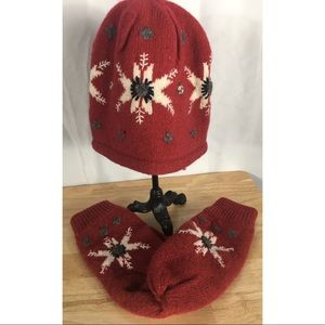 Red Wool Snowflake Thinsulate Hat & Mittens Set